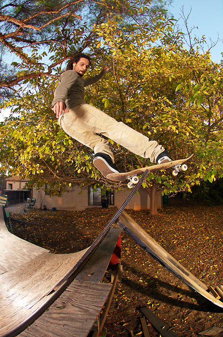 Nilton Neves frontside rock by Eric-Simpson
