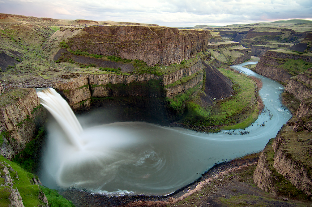 Palouse Falls, Washington by Eric Simpson